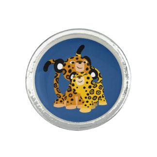Jaguars mignons de bande dessinée en anneau bagues
