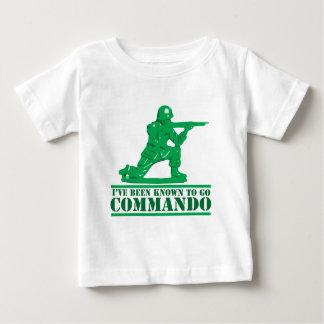 J'ai été connu pour aller commando t-shirts