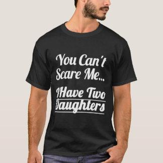 J'ai le T-shirt de deux filles