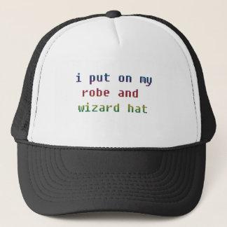 j'ai mis dessus mon casquette de robe longue et de