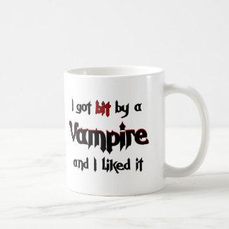 J'ai obtenu le peu par un vampire tasses