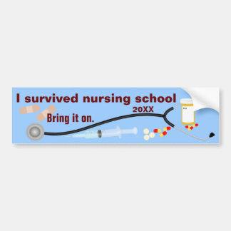 J'ai survécu à l'école d'infirmières autocollant pour voiture