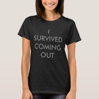 J'ai survécu à venir le T-shirt du LGBT des femmes