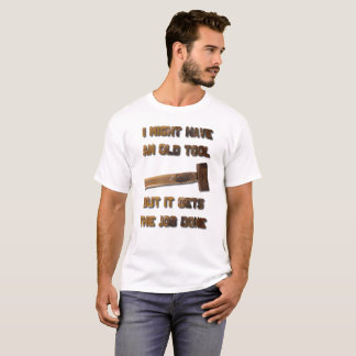 J'ai un vieil outil qu'il obtient le T-shirt fait