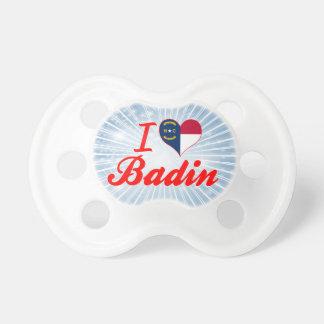 J'aime Badin, la Caroline du Nord Tétines