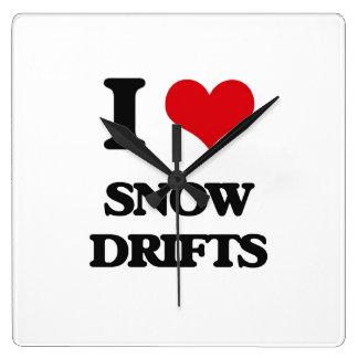 J'aime des dérives de neige pendules murales