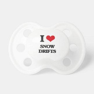 J'aime des dérives de neige tétines pour bébé