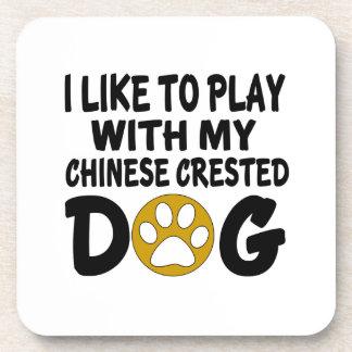 J'aime jouer avec mon chien crêté chinois sous-bocks
