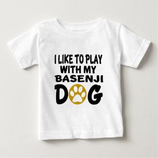J'aime jouer avec mon chien de Basenji T-shirt Pour Bébé