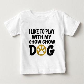 J'aime jouer avec mon chien de bouffe de bouffe t-shirt pour bébé
