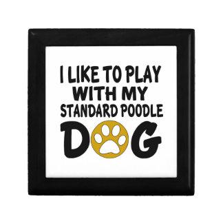 J'aime jouer avec mon chien de caniche standard petite boîte à bijoux carrée