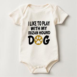 J'aime jouer avec mon chien de chasse d'Ibizan Body