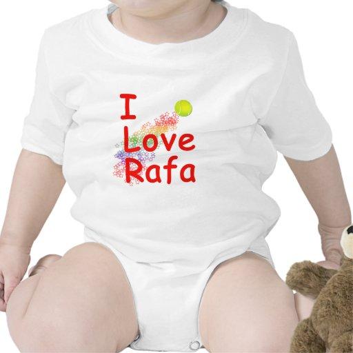 J'aime la conception de tennis de Rafa Barboteuses