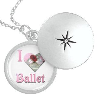 J'aime le ballet avec le rose rouge médaillon avec fermoir