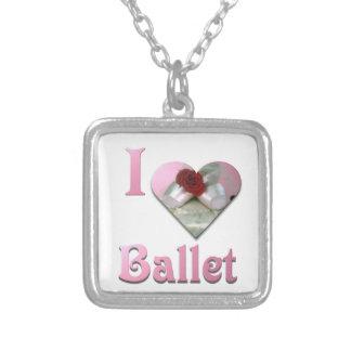J'aime le ballet avec le rose rouge pendentif carré