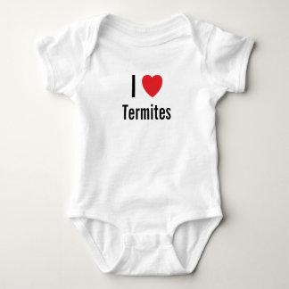 J'aime le pullover de bébé de termites