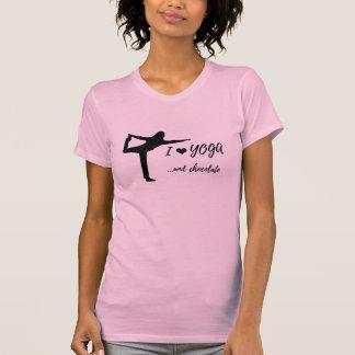 J'aime le yoga et le T-shirt de chocolat