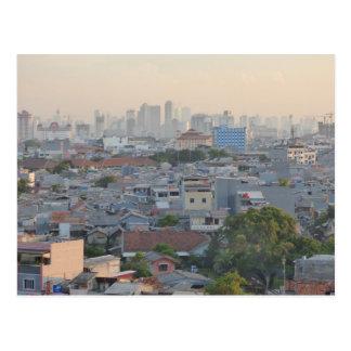 Jakarta dans le brouillard enfumé carte postale