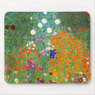 Jardin d'agrément par le cru de Gustav Klimt Tapis De Souris