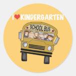 Jardin d'enfants d'amour d'autobus scolaire adhésifs ronds