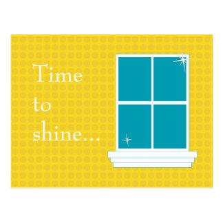 JAUNE de carte postale de nettoyage de vitres