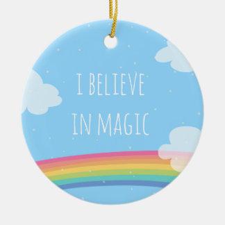 Je crois en ornement magique d'arc-en-ciel