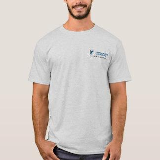 Je donne un coup de pied le T-shirt d'asphalte
