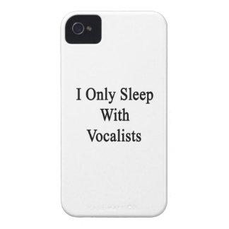 Je dors seulement avec des chanteurs étuis iPhone 4