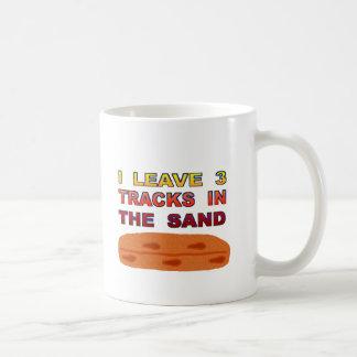 Je laisse 3 voies dans le sable mug