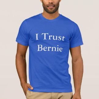 """""""Je le tee - shirt fais confiance à Bernie"""" T-shirt"""