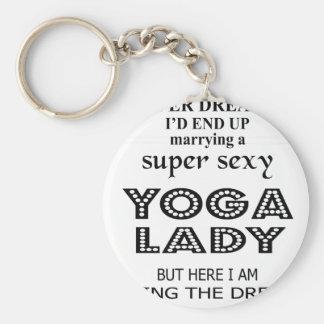 Je n'ai jamais rêvé épousant une dame sexy de yoga porte-clé rond