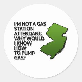 Je ne suis pas un préposé de station service. sticker rond