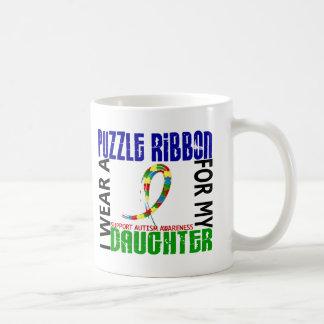 Je porte le ruban de puzzle pour mon autisme de la tasse à café