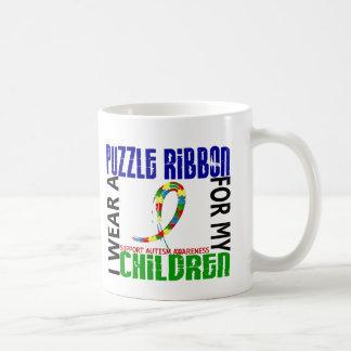 Je porte le ruban de puzzle pour mon autisme des mug blanc