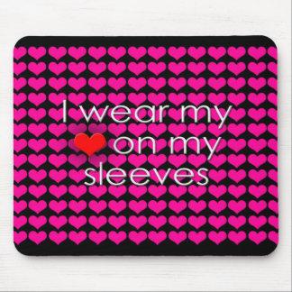 Je porte mon coeur sur mon noir de douilles tapis de souris