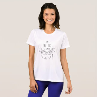 Je sens un T-shirt de petites femmes Outdoorsy