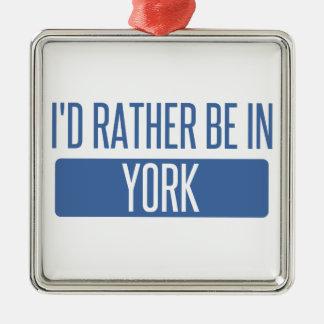 Je serais plutôt à York Ornement Carré Argenté