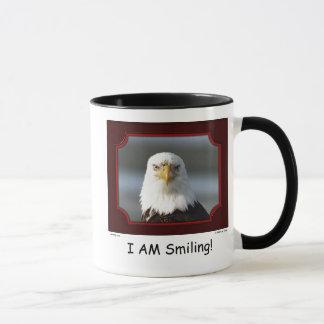 """""""JE souris !"""" Tasse d'Eagle chauve"""