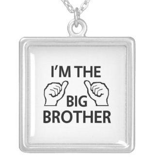 Je suis le frère collier