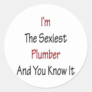 Je suis le plombier le plus sexy et vous le savez sticker rond