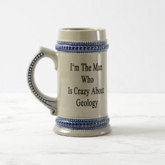 Je suis l'homme qui est fou au sujet de la géologi tasses