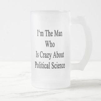 Je suis l'homme qui est fou au sujet de la science mug en verre givré