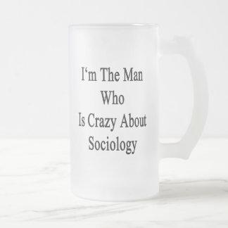 Je suis l'homme qui est fou au sujet de la sociolo mug en verre givré