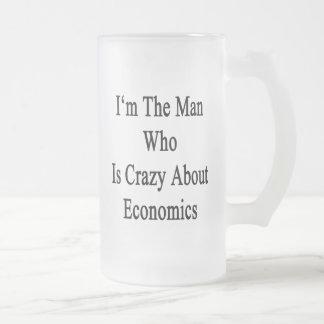 Je suis l'homme qui est fou au sujet de l'économie mug en verre givré
