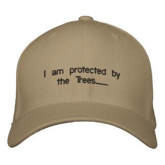Je suis protégé par les arbres ........ casquette brodée