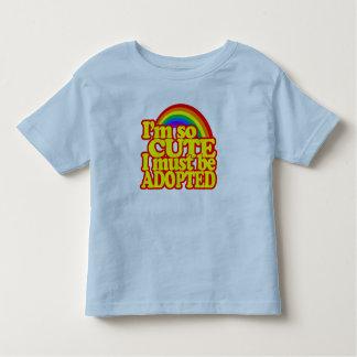 Je suis si mignon, je dois être adopté ! t-shirt