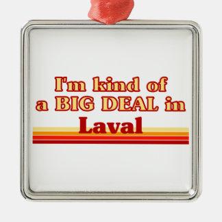 Je suis un peu une affaire dans Laval Ornement Carré Argenté