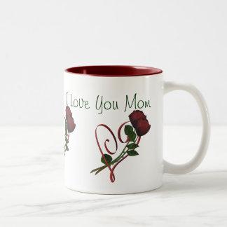 Je t aime tasse de café de coeur de roses rouges d