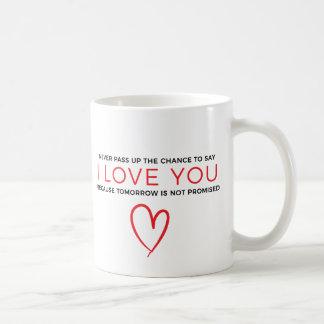 Je t'aime tasse rouge de typographie de citation