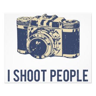 Je tire l'appareil-photo de photographie de person prospectus 11,4 cm x 14,2 cm